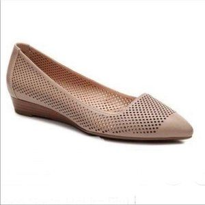 FRANCO SARTO Hakira Pointed Perforated Flat Size 8